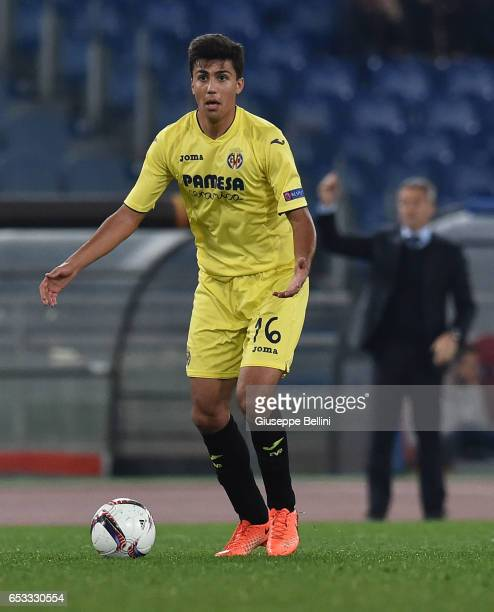 Rodrigo Hernandez of FC Villareal in action during the UEFA Europa League Round of 32 second leg match between AS Roma and FC Villarreal at Stadio...