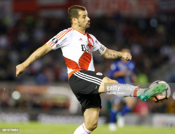 Rodrigo Mora of River Plate takes a shot during a group stage match between River Plate and Emelec as part of Copa CONMEBOL Libertadores Bridgestone...