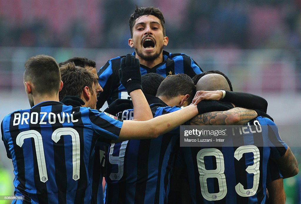 <a gi-track='captionPersonalityLinkClicked' href=/galleries/search?phrase=Rodrigo+Palacio&family=editorial&specificpeople=490993 ng-click='$event.stopPropagation()'>Rodrigo Palacio</a> of FC Internazionale Milano celebrates with his team-mates after scoring the opening goal during the Serie A match between FC Internazionale Milano and Carpi FC at Stadio Giuseppe Meazza on January 24, 2016 in Milan, Italy.