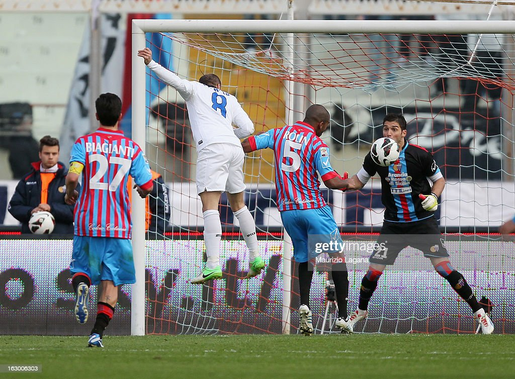Rodrigo Palacio of FC Internazionale scores the equalizing goal (2:2) during the Serie A match between Calcio Catania and FC Internazionale Milano at Stadio Angelo Massimino on March 3, 2013 in Catania, Italy.