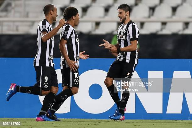 Rodrigo Pimpao of Botafogo celebrates a scored goal against Estudiantes during a match between Botafogo and Estudiantes as part of Copa Bridgestone...