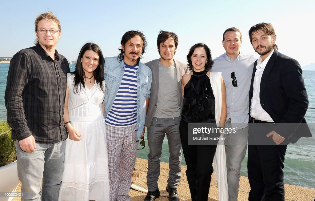 Rodrigo Pla, Mariana Chenillo, Gerardo Naranjo, <a gi-track='captionPersonalityLinkClicked' href=/galleries/search?phrase=Gael+Garcia+Bernal&family=editorial&specificpeople=202025 ng-click='$event.stopPropagation()'>Gael Garcia Bernal</a>, <a gi-track='captionPersonalityLinkClicked' href=/galleries/search?phrase=Patricia+Riggen&family=editorial&specificpeople=2969162 ng-click='$event.stopPropagation()'>Patricia Riggen</a>, <a gi-track='captionPersonalityLinkClicked' href=/galleries/search?phrase=Amat+Escalante&family=editorial&specificpeople=5350930 ng-click='$event.stopPropagation()'>Amat Escalante</a>, <a gi-track='captionPersonalityLinkClicked' href=/galleries/search?phrase=Diego+Luna&family=editorial&specificpeople=213511 ng-click='$event.stopPropagation()'>Diego Luna</a> attend the 'Revolucion' Photocall held at the Style Star Lounge during the 63rd Annual Cannes Film Festival on May 20, 2010 in Cannes, France.