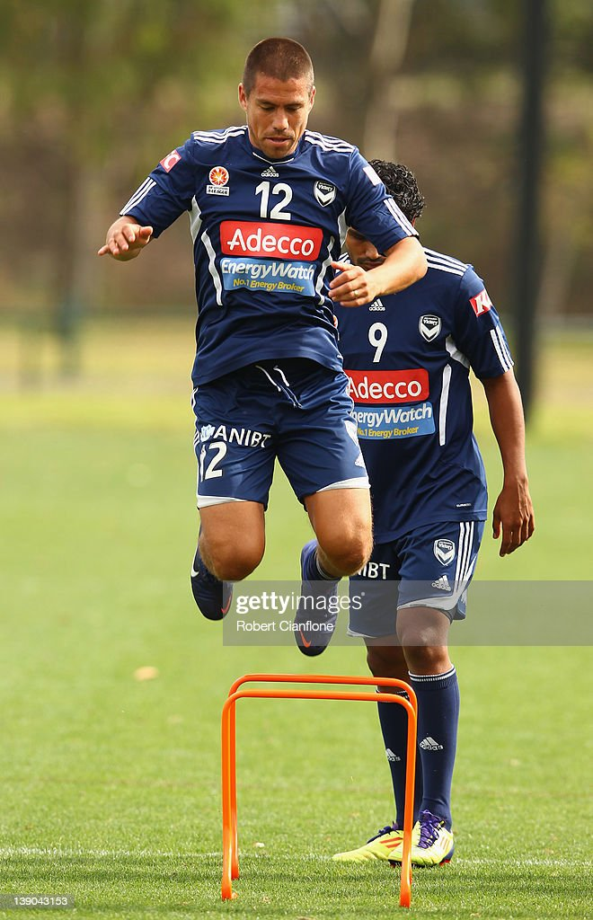 <a gi-track='captionPersonalityLinkClicked' href=/galleries/search?phrase=Rodrigo+Vargas&family=editorial&specificpeople=793290 ng-click='$event.stopPropagation()'>Rodrigo Vargas</a> of the Victory warms up during a Melbourne Victory A-League training session at Gosch's Paddock on February 16, 2012 in Melbourne, Australia.