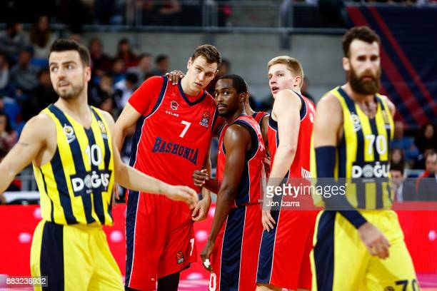 Rodrigue Beaubois #10 of Baskonia Vitoria Gasteiz speaks with teamates during the 2017/2018 Turkish Airlines EuroLeague Regular Season game between...