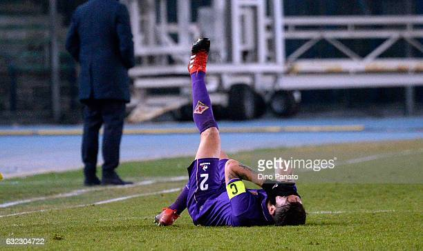Rodriguez Gonzalo of ACF Fiorentina lies injured on the pitch during the Serie A match between AC ChievoVerona and ACF Fiorentina at Stadio...