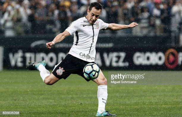 Rodriguinho of Corinthians conducts the ball during the match between Corinthians and Vitoria for the Brasileirao Series A 2017 at Arena Corinthians...