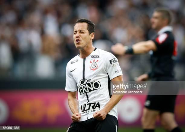 Rodriguinho of Corinthians reacts during the match between Corinthians and Palmeiras for the Brasileirao Series A 2017 at Arena Corinthians Stadium...