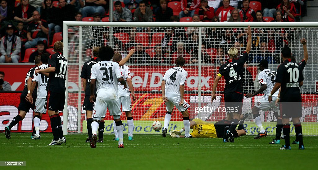 Roel Brouwers of Moenchengladbach scores his team second goal during the Bundesliga match between Bayer Leverkusen and Borussia Moenchengladbach at...