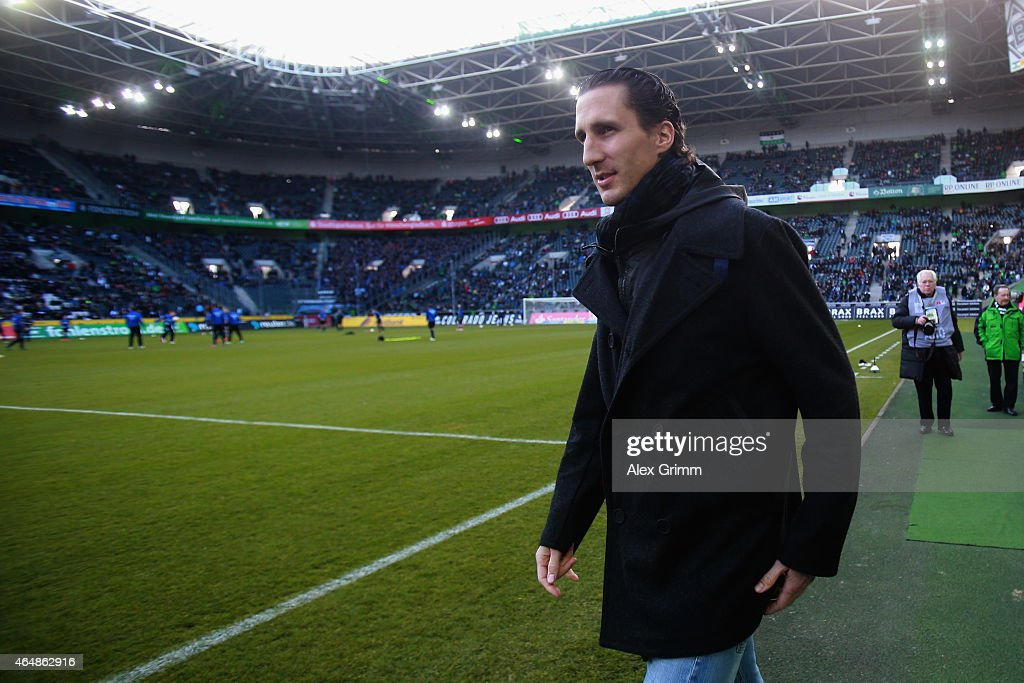 Roel Brouwers of Moenchengladbach walks along the pitch prior to the Bundesliga match between Borussia Moenchengladbach and SC Paderborn 07 at...