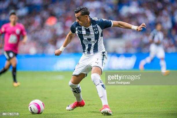 Rogelio Funes Mori of Monterrey controls the ball during the 13th round match between Monterrey and Pachuca as part of the Torneo Apertura 2017 Liga...