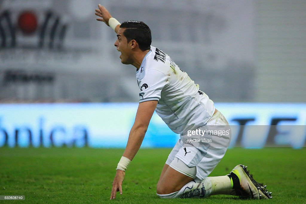 <a gi-track='captionPersonalityLinkClicked' href=/galleries/search?phrase=Rogelio+Funes+Mori&family=editorial&specificpeople=6717732 ng-click='$event.stopPropagation()'>Rogelio Funes Mori</a> of Monterrey reacts during the semi finals first leg match between America and Monterrey as part of the Clausura 2016 Liga MX at Azteca Stadium on May 18, 2016 in Mexico City, Mexico.