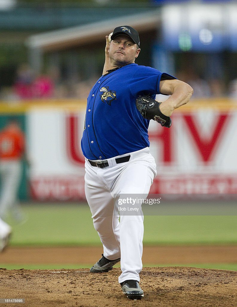 <a gi-track='captionPersonalityLinkClicked' href=/galleries/search?phrase=Roger+Clemens&family=editorial&specificpeople=171089 ng-click='$event.stopPropagation()'>Roger Clemens</a> #21 of the Sugar Land Skeeters throws in the second inning against the Long Island Ducks on September 7, 2012 in Sugar Land, Texas.
