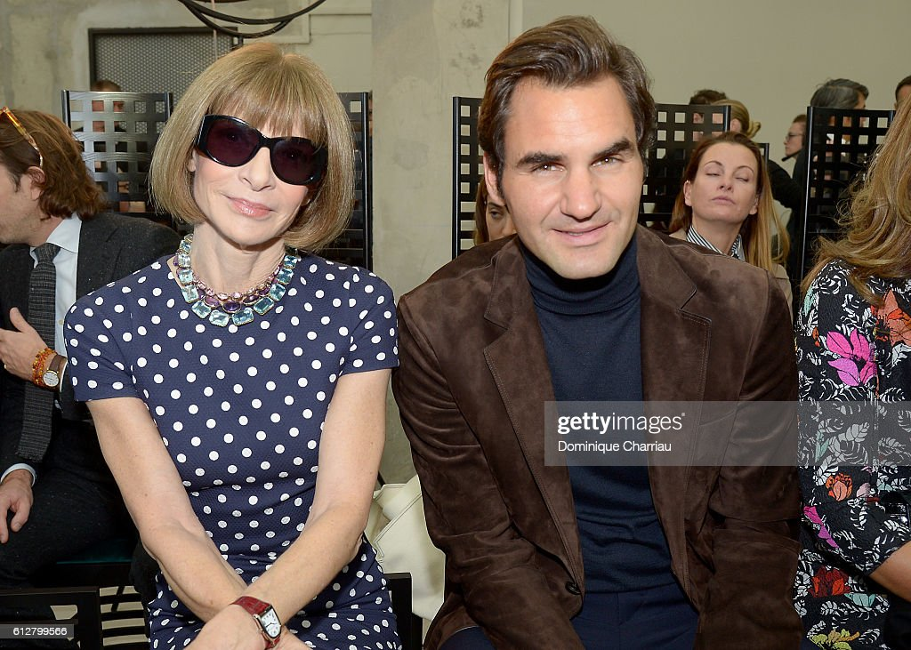 Louis Vuitton : Front Row - Paris Fashion Week Womenswear Spring/Summer 2017 : News Photo