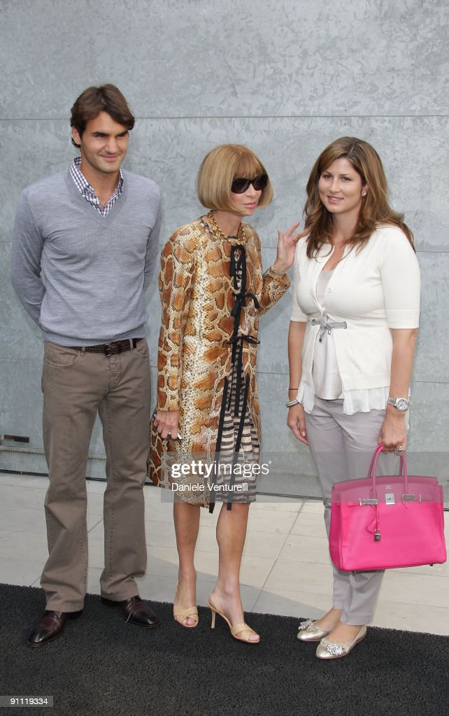 Roger Federer, Anna Wintour and Mirka Federer attend the Giorgio Armani Fashion Show as part of the Milan Womenswear Fashion Week Spring/Summer 2010 at the Milano Fashion Center on September 24, 2009 in Milan, Italy.