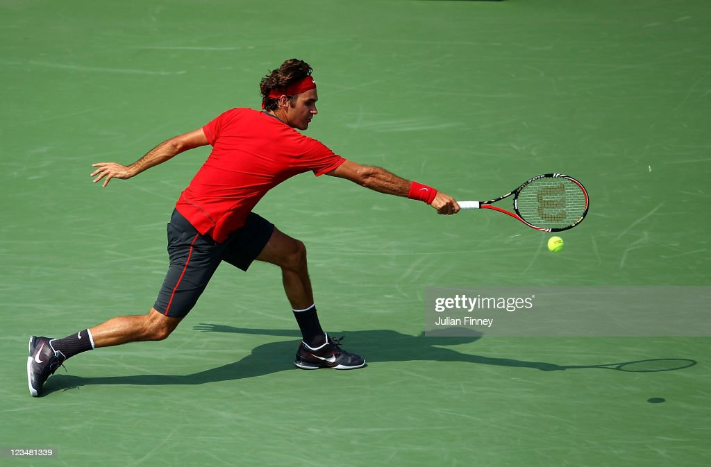 <a gi-track='captionPersonalityLinkClicked' href=/galleries/search?phrase=Roger+Federer&family=editorial&specificpeople=157480 ng-click='$event.stopPropagation()'>Roger Federer</a> of Switzerland returns a shot against Marin Cilic of Croatia during Day Six of the 2011 US Open at the USTA Billie Jean King National Tennis Center on September 3, 2011 in the Flushing neighborhood of the Queens borough of New York City.