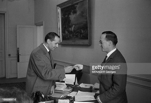 Roger Julien The Youngest Member Of Parliament Of France Is Returned To Its National Assembly Paris le 5 décembre 1962 Roger JULIEN 30 ans le plus...