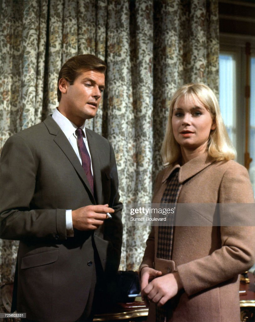 Roger Moore (1927 - 2017) and Penelope Horner in 'The Russian Prisoner', an episode in the TV series, 'The Saint', October 1966.
