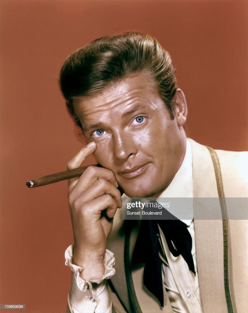 Roger Moore (1927 - 2017) as Beau Maverick, in a promotional portrait for the TV show, 'Maverick', circa 1960.