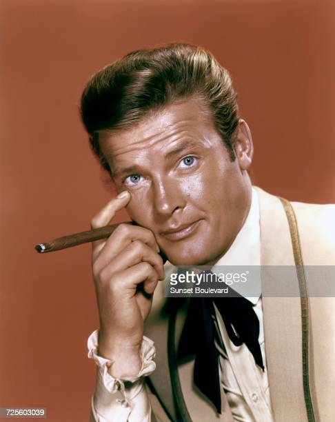 Roger Moore as Beau Maverick in a promotional portrait for the TV show 'Maverick' circa 1960