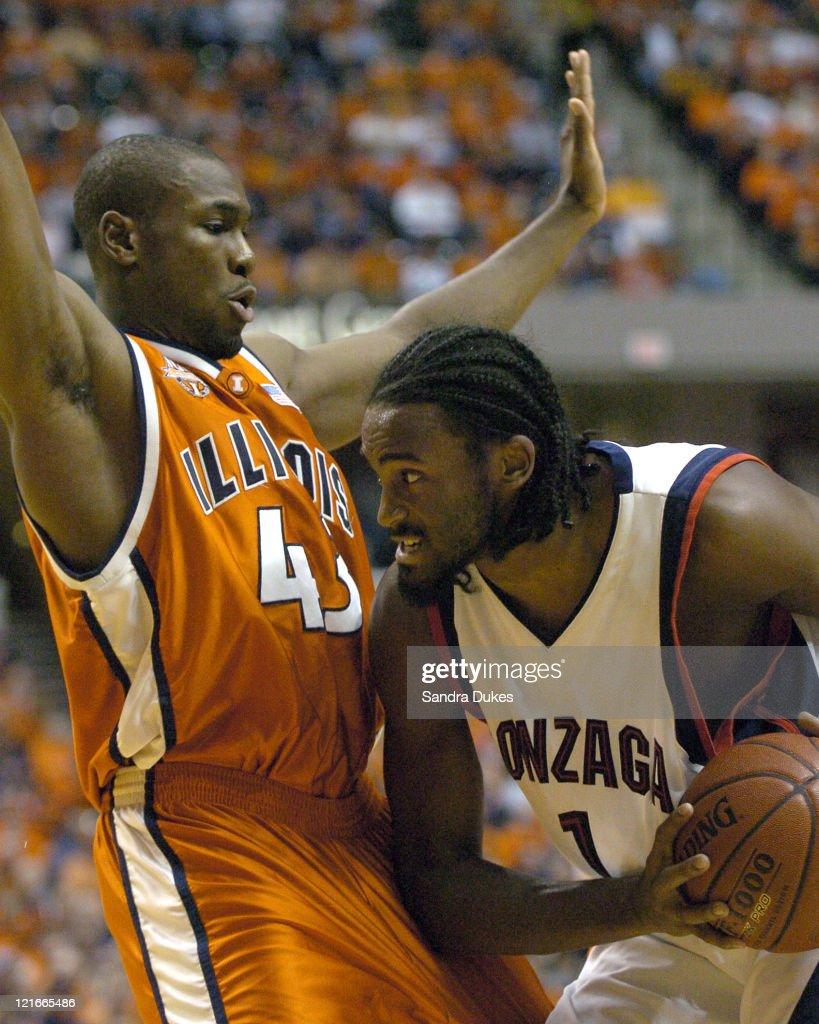 NCAA Men's Basketball - Illinois vs Gonzaga - November 27, 2004