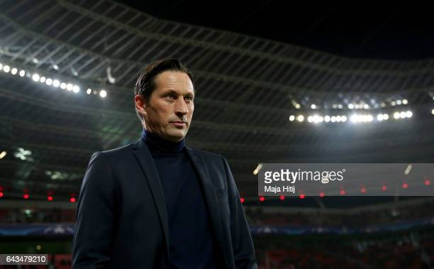 Roger Schmidt head coach of Leverkusen looks on before the UEFA Champions League Round of 16 first leg match between Bayer Leverkusen and Club...