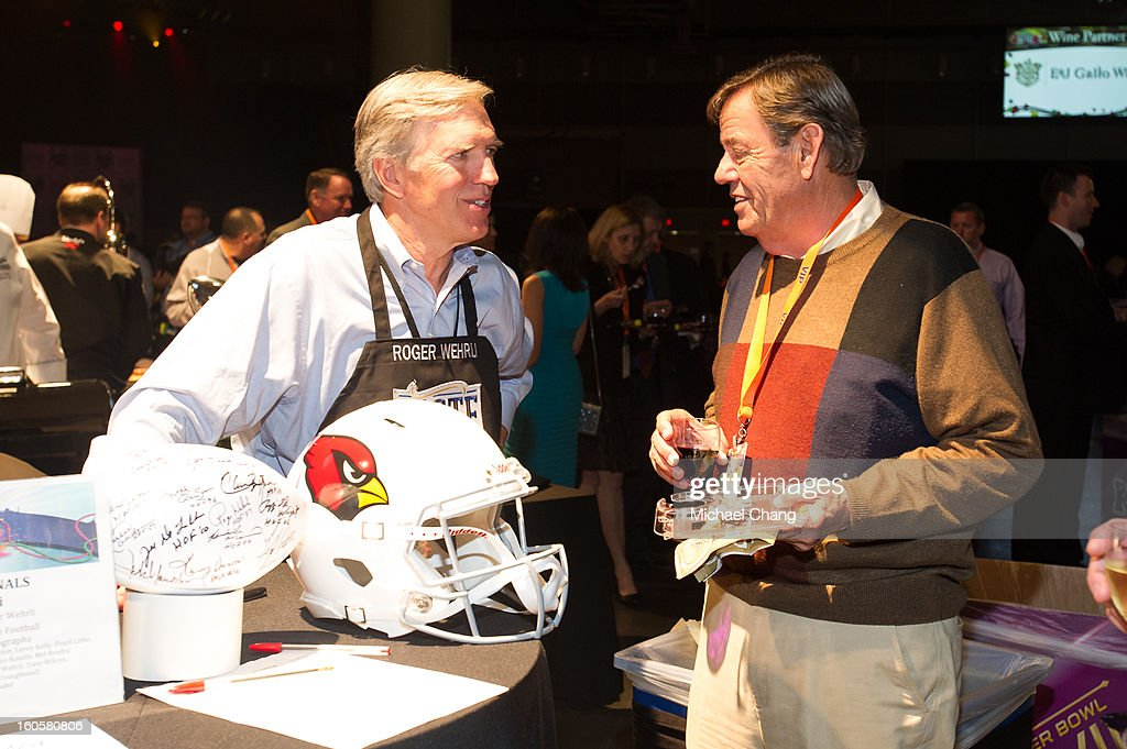 Roger Wehrli speaks to a fan during the 2013 Taste of the NFL at the Ernest N. Morial Convention Center on February 2, 2013 in New Orleans, Louisiana.