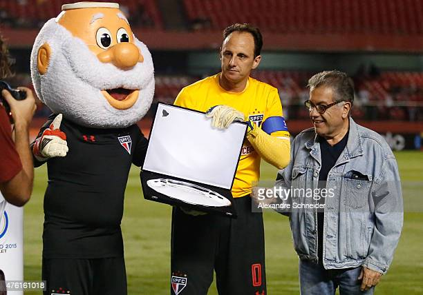 Rogerio Ceni goalkeeper of Sao Paulo receives an homenage for his 128 goals before the match between Sao Paulo and Gremio for the Brazilian Series A...