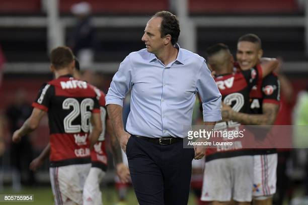 Rogerio Ceni Head Coach of Sao Paulo reacts after a scored gol by Guerrero of Flamengo during the match between Flamengo and Sao Paulo as part of...