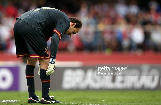 Rogerio Ceni of Sao Paulo looks on during the match between Sao Paulo and Vasco for the Brazilian Series A 2015 at Estadio do Morumbi on October 18...