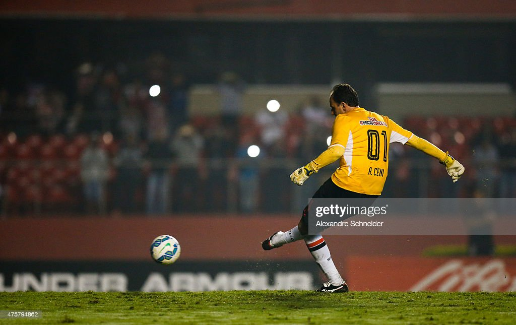 Rogerio Ceni of Sao Paulo scores their thirth goal during the match between Sao Paulo and Santos for the Brazilian Series A 2015 at Morumbi stadium on June 03, 2015 in Sao Paulo, Brazil.