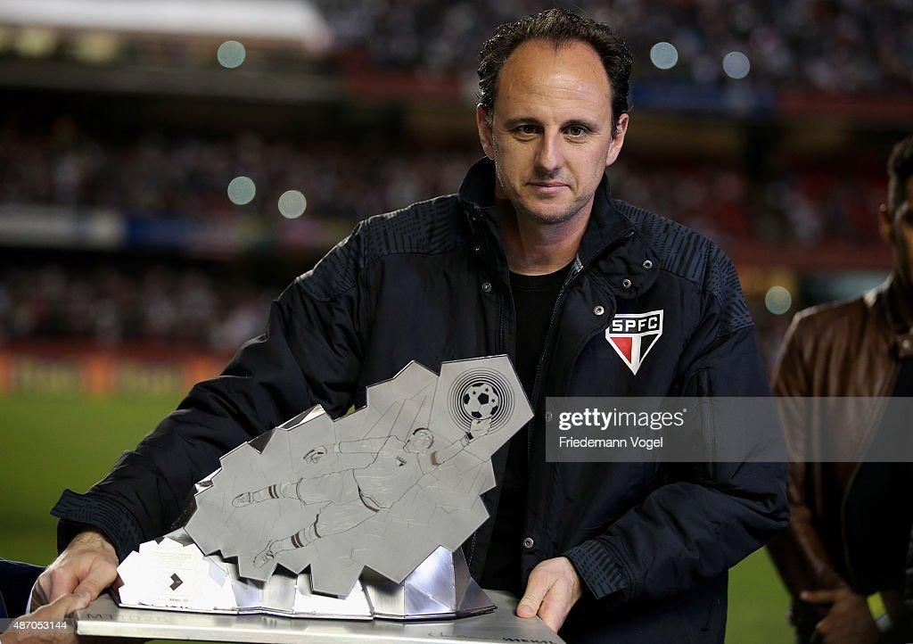 Sao Paulo v Internacional - Brasileirao Series A 2015