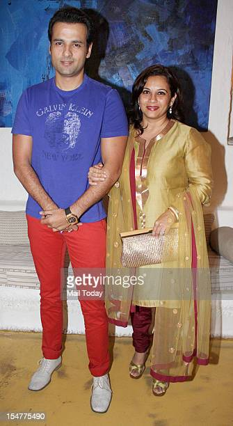 Rohit Roy with wife Mansi Joshi Roy at the launch of Rouble Nagi's painting exhibition held at Olive in Mumbai on 23rd October 2012