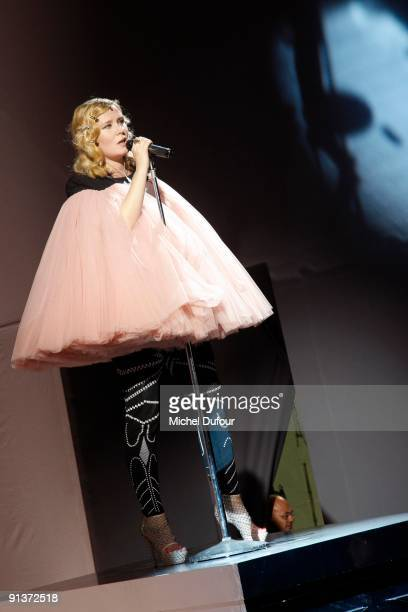 Roisin Murphy performs during the show at the Viktor Rolf Pret a Porter show during Paris Womenswear Fashion Week Spring/Summer 2010 at Espace...