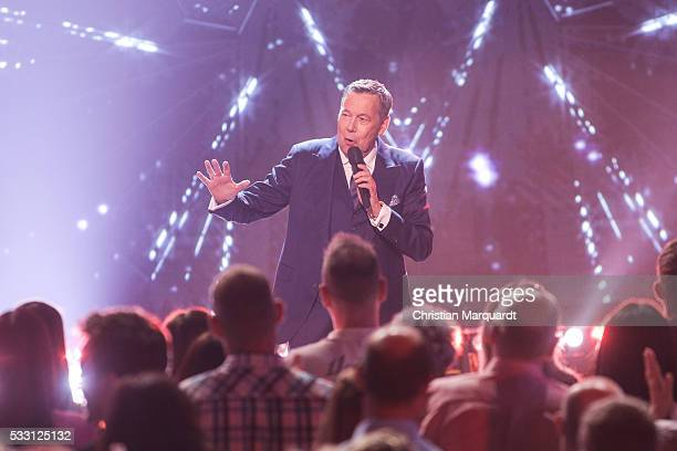 Roland Kaiser performs on stage during the taping of the tv show 'Beatrice Egli Die grosse Show der Traeume' on May 20 2016 in Berlin Germany The...
