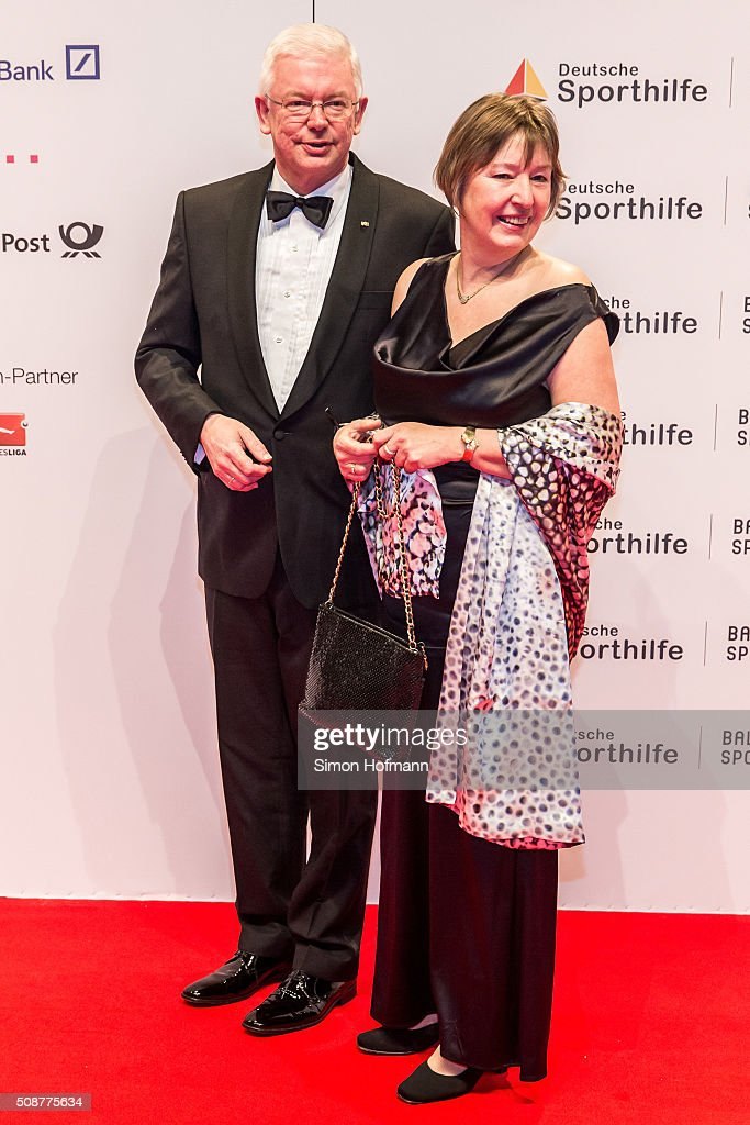 <a gi-track='captionPersonalityLinkClicked' href=/galleries/search?phrase=Roland+Koch&family=editorial&specificpeople=548911 ng-click='$event.stopPropagation()'>Roland Koch</a> and his wife Anke attend German Sports Gala 'Ball des Sports 2016' on February 6, 2016 in Wiesbaden, Germany.