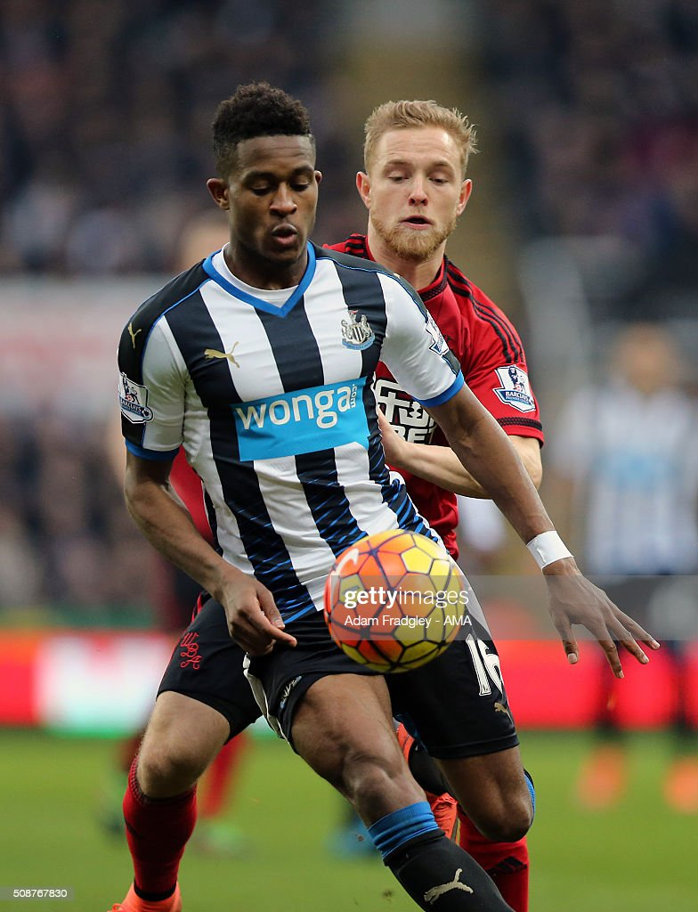 <a gi-track='captionPersonalityLinkClicked' href=/galleries/search?phrase=Rolando+Aarons&family=editorial&specificpeople=12380775 ng-click='$event.stopPropagation()'>Rolando Aarons</a> of Newcastle United and Alex Pritchard of West Bromwich Albion during the Barclays Premier League match between Newcastle United and West Bromwich Albion at St. James Park on February 06, 2016 in Newcastle-upon-Tyne, England.