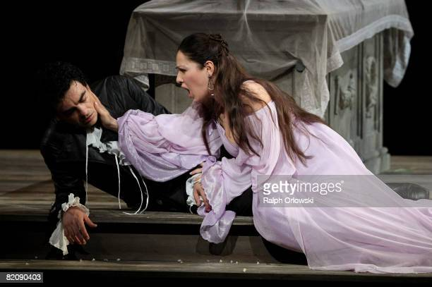 Rolando Villazon and Nino Machaidze perform on stage during the rehearsal of 'Romeo and Juliette' on July 28 2008 in Salzburg Austria The annual...