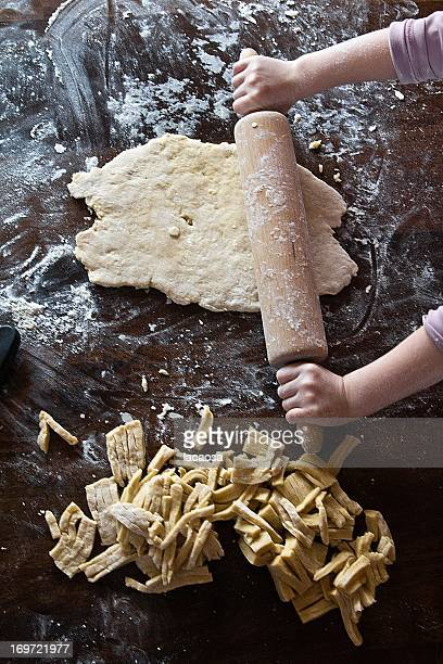 roll out pasta dough
