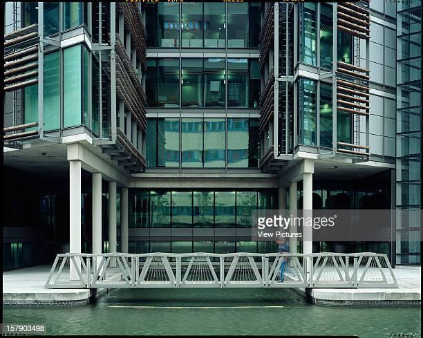 Rolling Bridge London United Kingdom Architect Thomas Heatherwick Studio Rolling Bridge