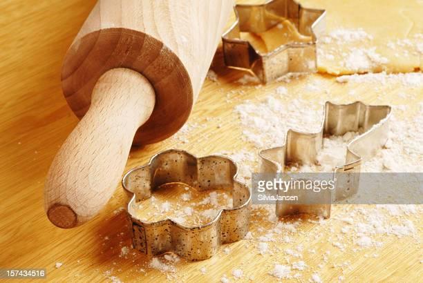 Nudelholz und cookie-cutter