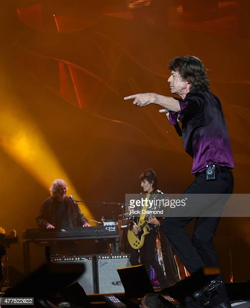 Rolling Stones Keyboardist Chuck Leavell with Ronnie Wood and Mick Jagger of The Rolling Stones perform during The Rolling Stones North American 'ZIP...