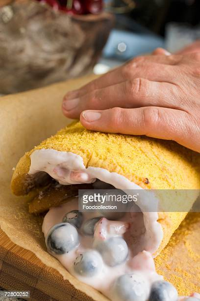 Rolling up a sponge roulade