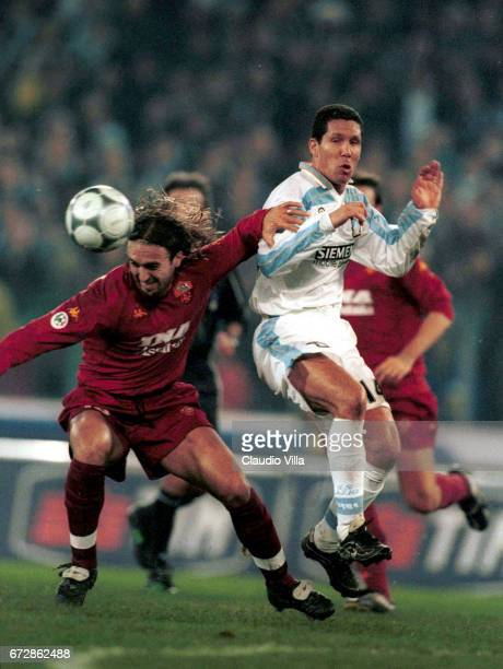 Roma 17 DEC 2000 Gabriel Omar Batistuta of Roma and Diego Simeone compete for the ball during the 11st round SERIE A game LAZIO Vs ROMA played at the...