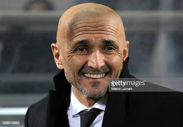 AS Roma coach Luciano Spalletti looks on before the Serie A match between US Sassuolo Calcio and AS Roma at Mapei Stadium Città del Tricolore on...