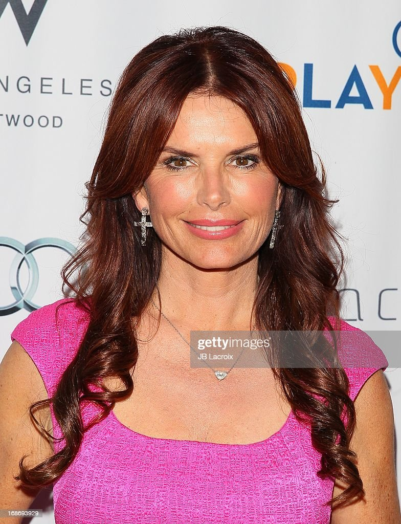 <a gi-track='captionPersonalityLinkClicked' href=/galleries/search?phrase=Roma+Downey&family=editorial&specificpeople=214162 ng-click='$event.stopPropagation()'>Roma Downey</a> attends the 'Backstage At The Geffen' honoring Billy Crystal at Geffen Playhouse on May 13, 2013 in Los Angeles, California.