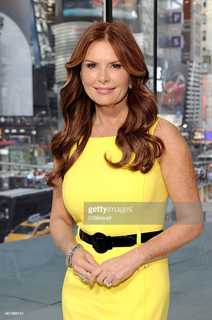 "Roma Downey Visits ""Extra"""