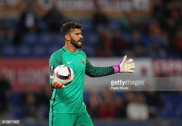 Roma goalkeeper Allison Becker gestures during the UEFA Europa League match between AS Roma and FK Austria Wien at Olimpico Stadium on October 20...