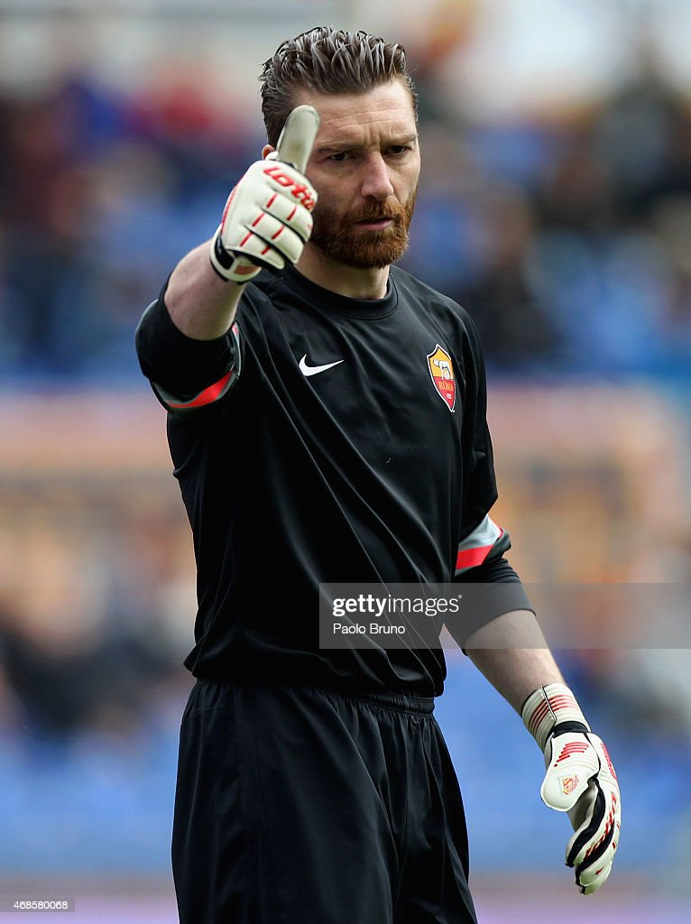 AS Roma goalkeeper <a gi-track='captionPersonalityLinkClicked' href=/galleries/search?phrase=Morgan+De+Sanctis&family=editorial&specificpeople=615695 ng-click='$event.stopPropagation()'>Morgan De Sanctis</a> reacts during the Serie A match between AS Roma and SSC Napoli at Stadio Olimpico on April 4, 2015 in Rome, Italy.