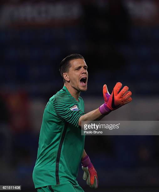 Roma goalkeeper Wojciech Szczesny gestures during the Serie A match between AS Roma and Bologna FC at Stadio Olimpico on November 6 2016 in Rome Italy