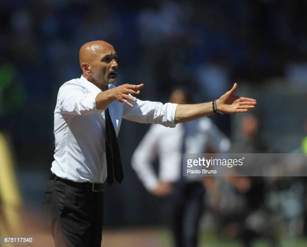 Roma head coach Luciano Spalletti gestures during the Serie A match between AS Roma and SS Lazio at Stadio Olimpico on April 30 2017 in Rome Italy